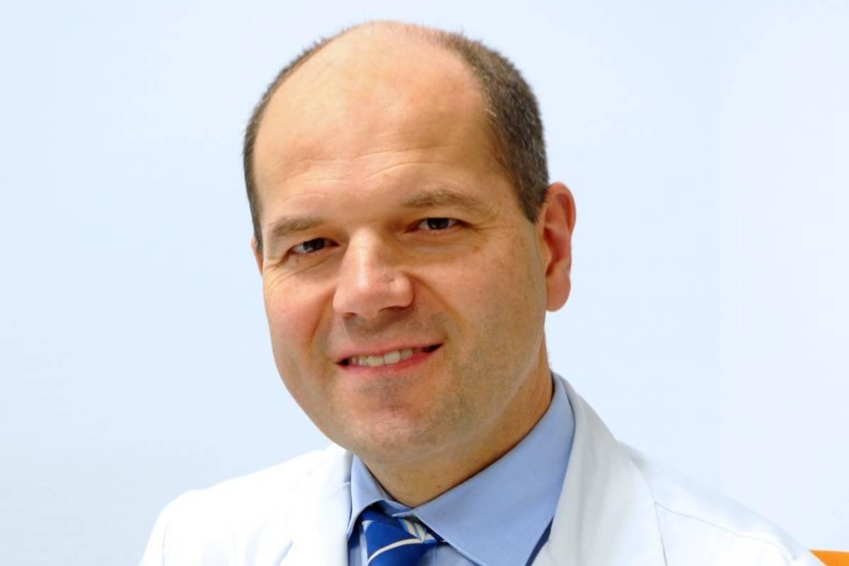 Enrique Ocio, jefe del Servicio de Hematología del Hospital Marqués de Valdecilla (Santander).