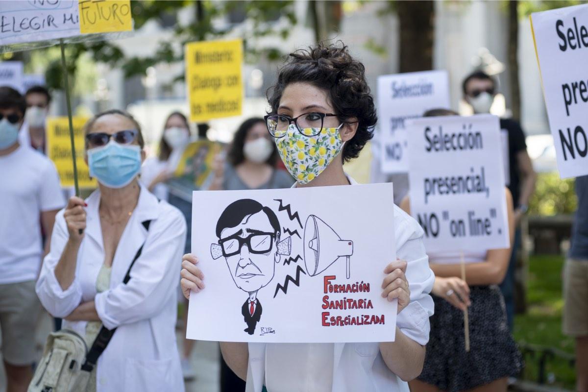 Imagen de la protesta convocada por CESM el pasado martes ante la sede del Ministerio de Sanidad (Foto: José Luis Pindado)