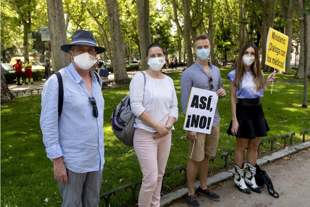 Miembros de la cúpula de CESM, con Sheila Justo (a la derecha), durante la protesta convocada por el sindicato el pasado día 23 (Foto: José Luis Pindado).