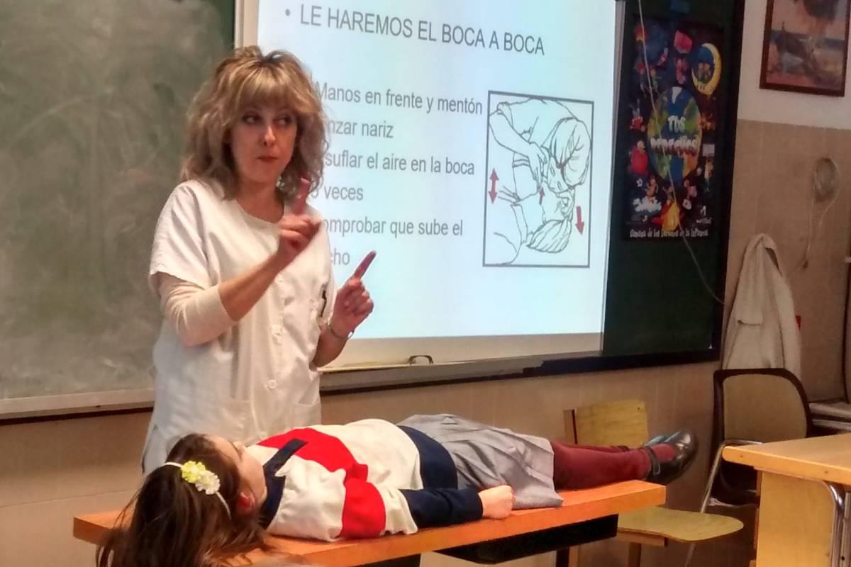 La enfermera escolar es vital para garantizar la seguridad en las escuelas en tiempos de pandemia.