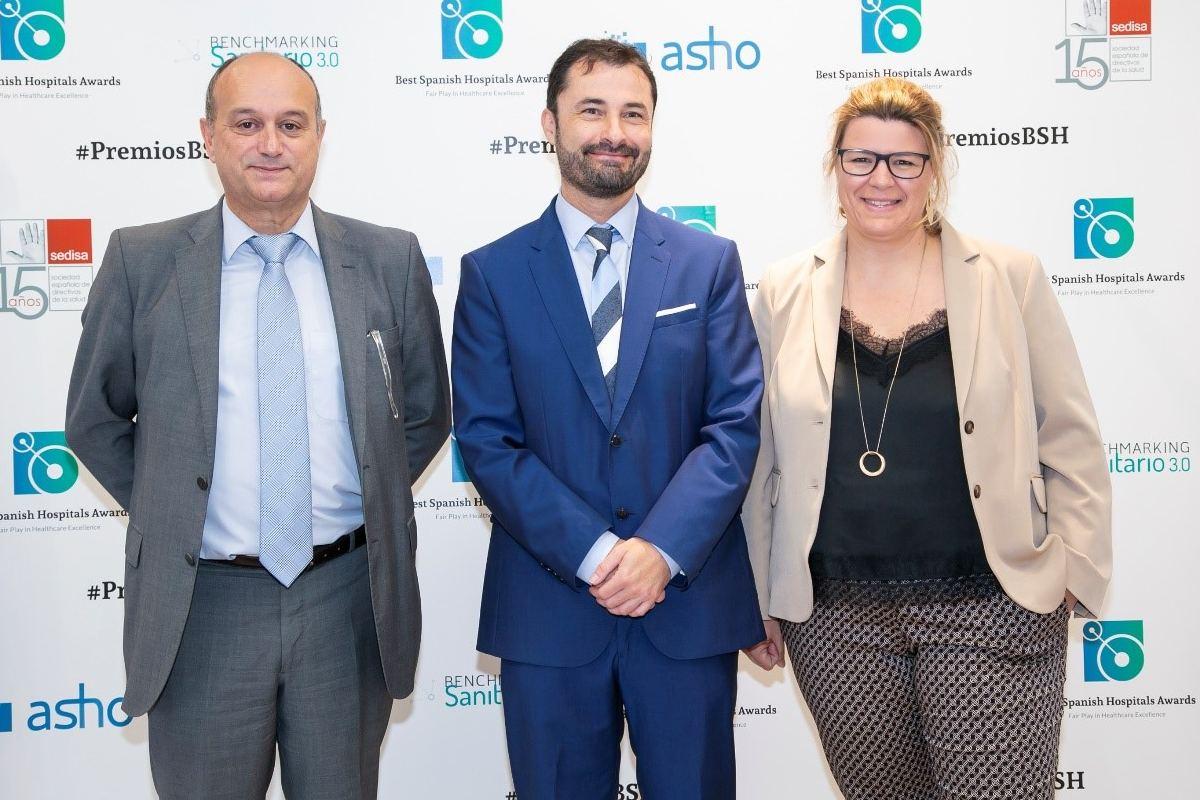 Carlos Sevillano, director comercial de ASHO; Toni Hidalgo, CEO de Higia Benchmarking y Ruth Cuscó, directora gerente de ASHO.
