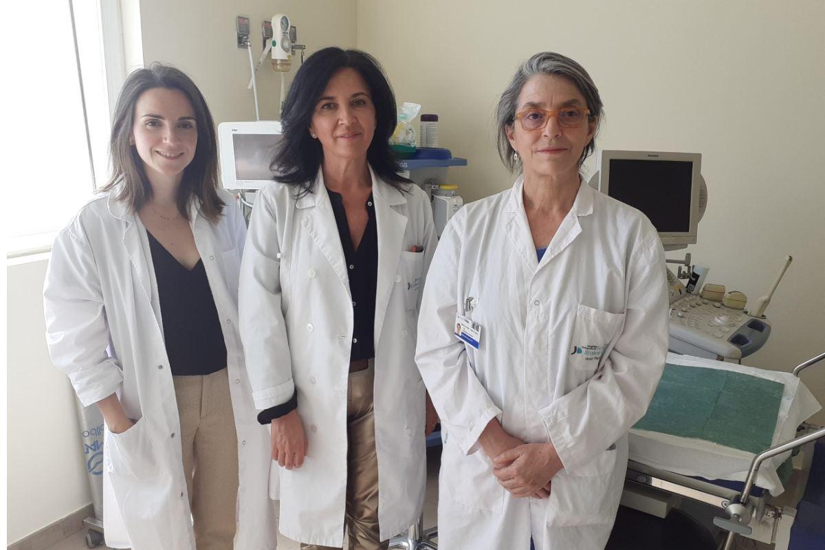 Ester Arango, Corazón Hernández y Luz Rodríguez, de la Unidad de Reproducción Asistida de la Fundación Jiménez Díaz, de Madrid.