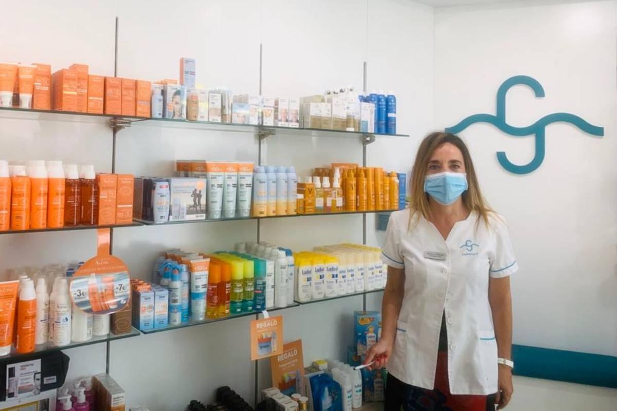 Gádor Amelia Callejón Callejón, titular de la Farmacia Playa de las Américas, al sur de Tenerife.