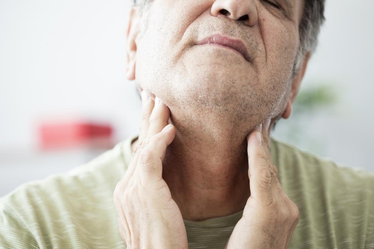 El cáncer de cabeza y cuello es muy sintomático.