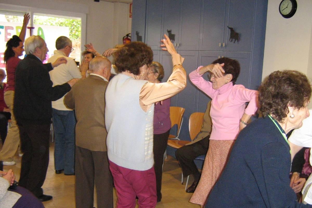 La musicoterapia ayuda a estimular sensorialmente a las personas con deterioro cognitivo.