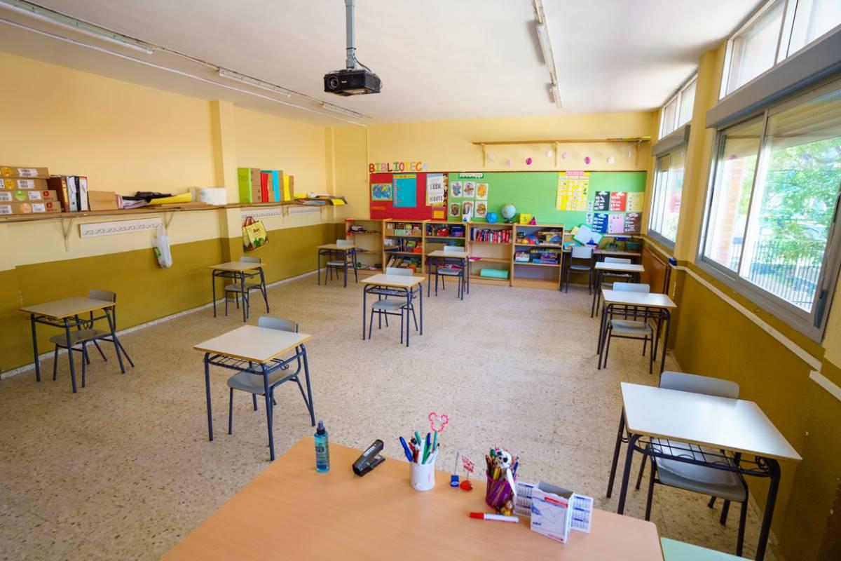 El día que los niños vuelven al colegio en medio de la pandemia.  De los 6 que han convocado no ha asistido ninguno.