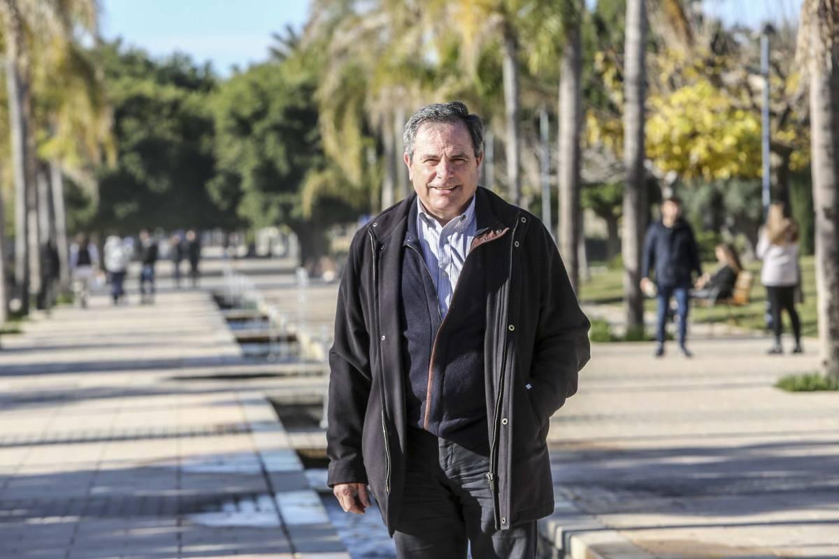 José Ramón Mart�nez Riera, presidente de la Asociación de Enfermer�a Comunitaria (AEC).