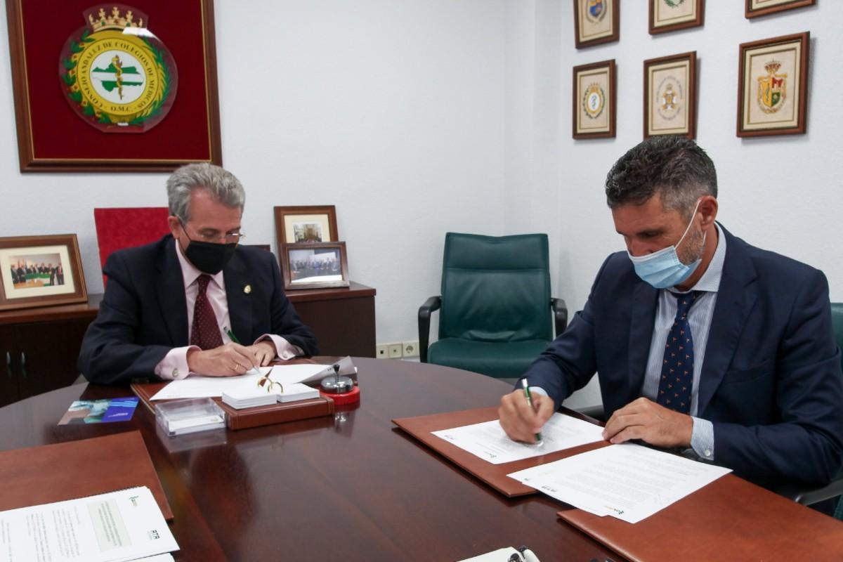 Emilio García de la Torre, presidente del Consejo Andaluz de Colegios de Médicos, y Lorenzo Amor, presidente de ATA.