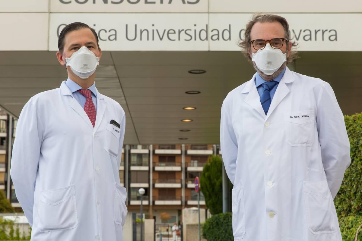Manuel Landecho y Alfredo García Layana, investigadores de la Clínica Universidad de Navarra.
