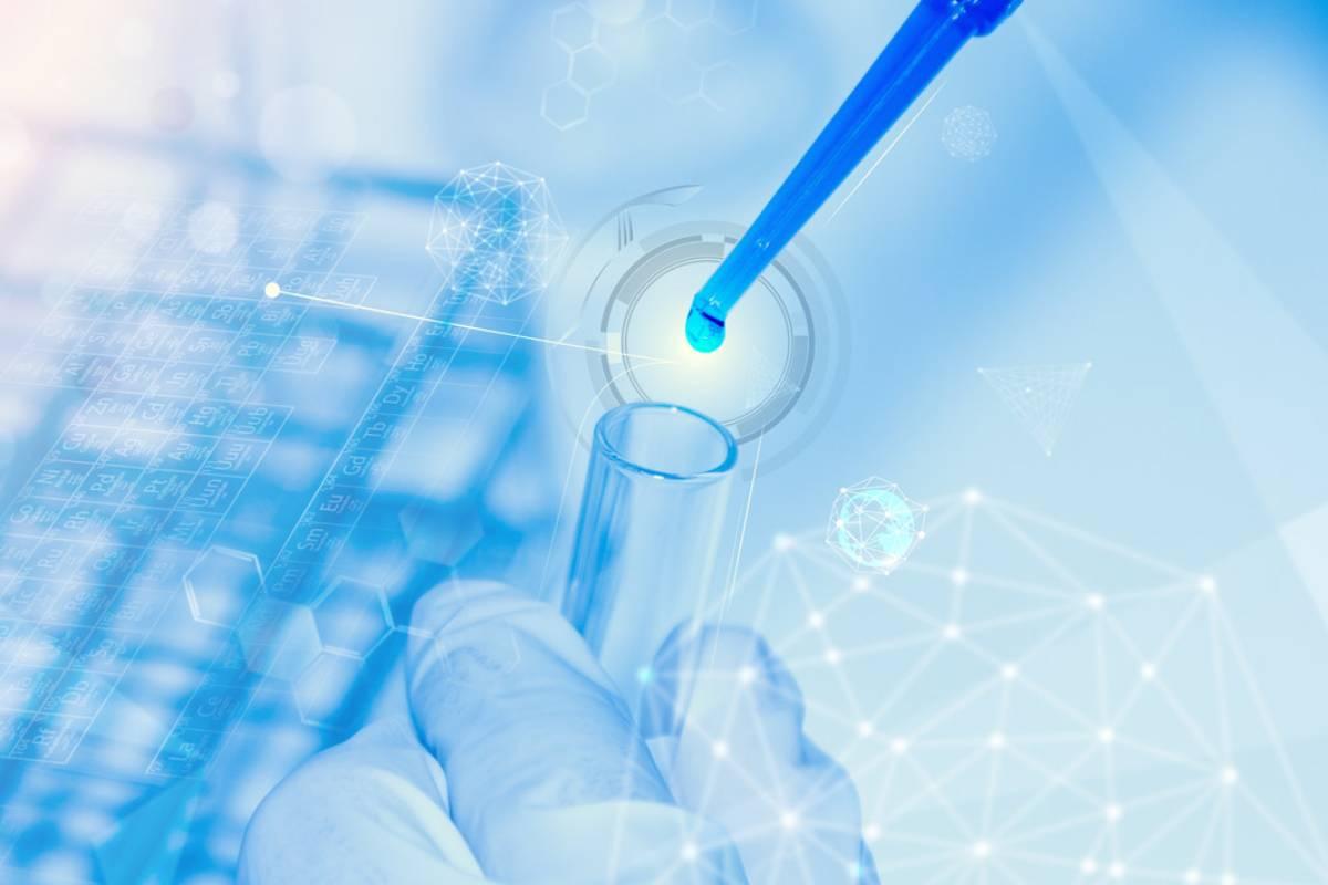 La designación de gran avance terapéutico permite acelerar el desarrollo y la revisión regulatoria de medicamentos en investigación.