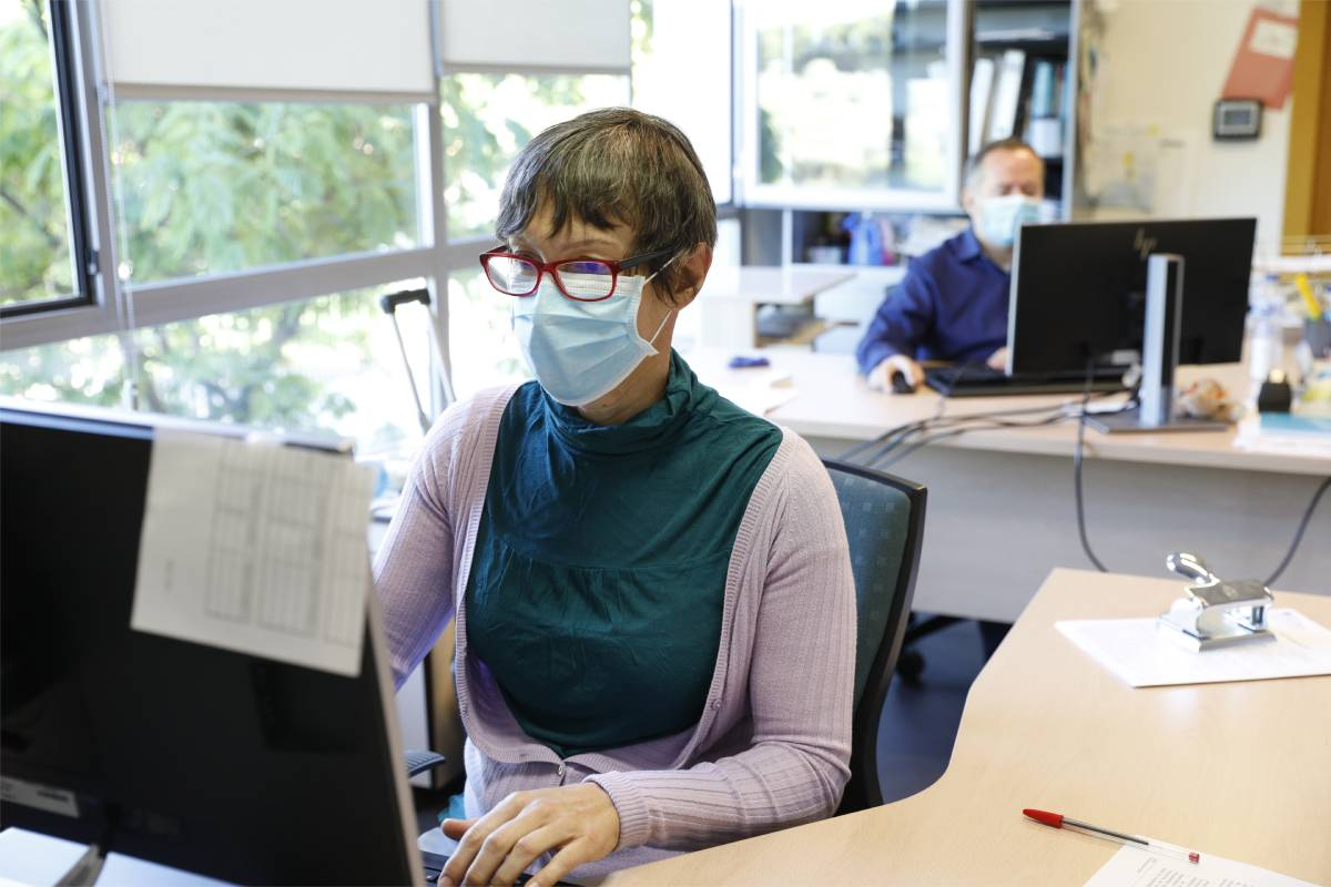 Profesionales sanitarios reivindican contratos y remuneración para ejercer como rastreadores.