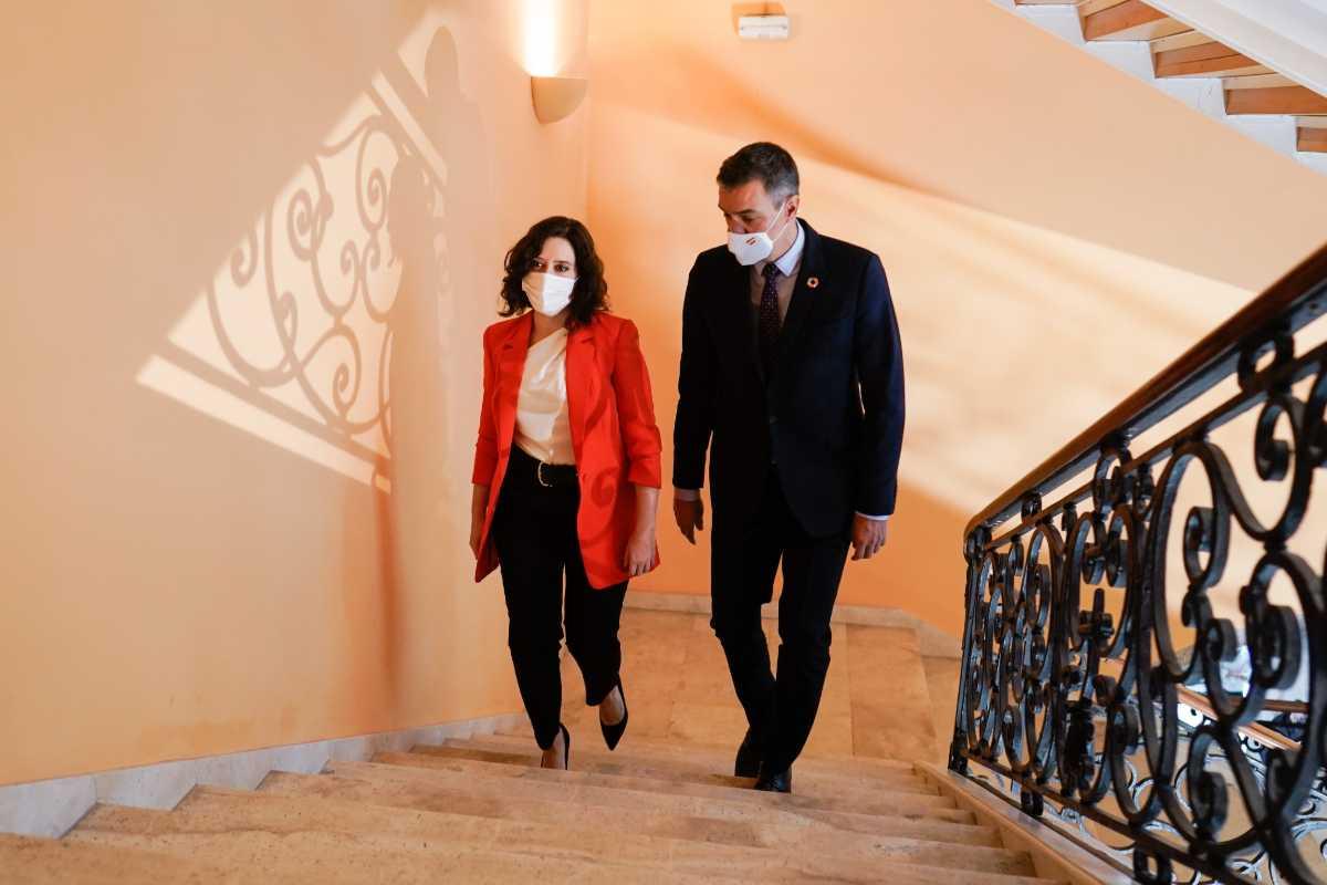 La presidenta madrileña, Isabel Díaz Ayuso, y el presidente del Gobierno, Pedro Sánchez.