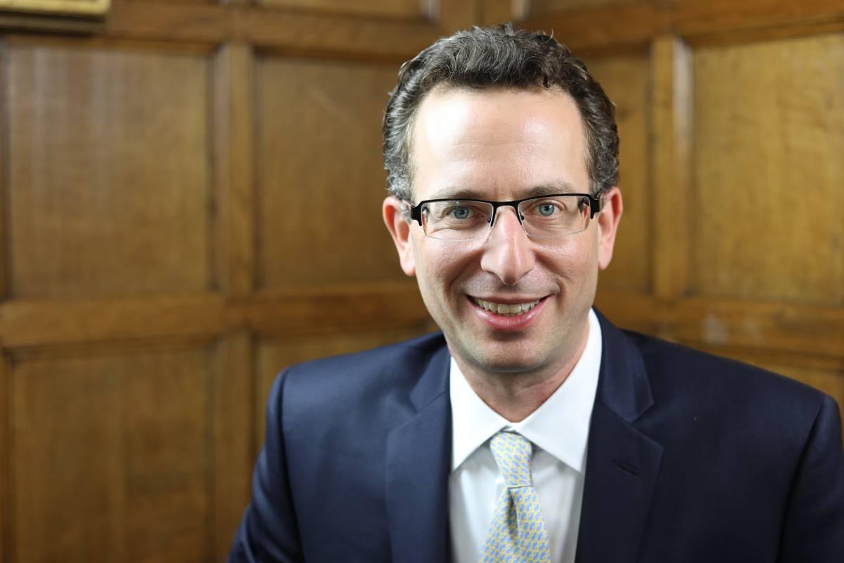 Daniel Skovronsky, vicepresidente sénior y director científico de Lilly.