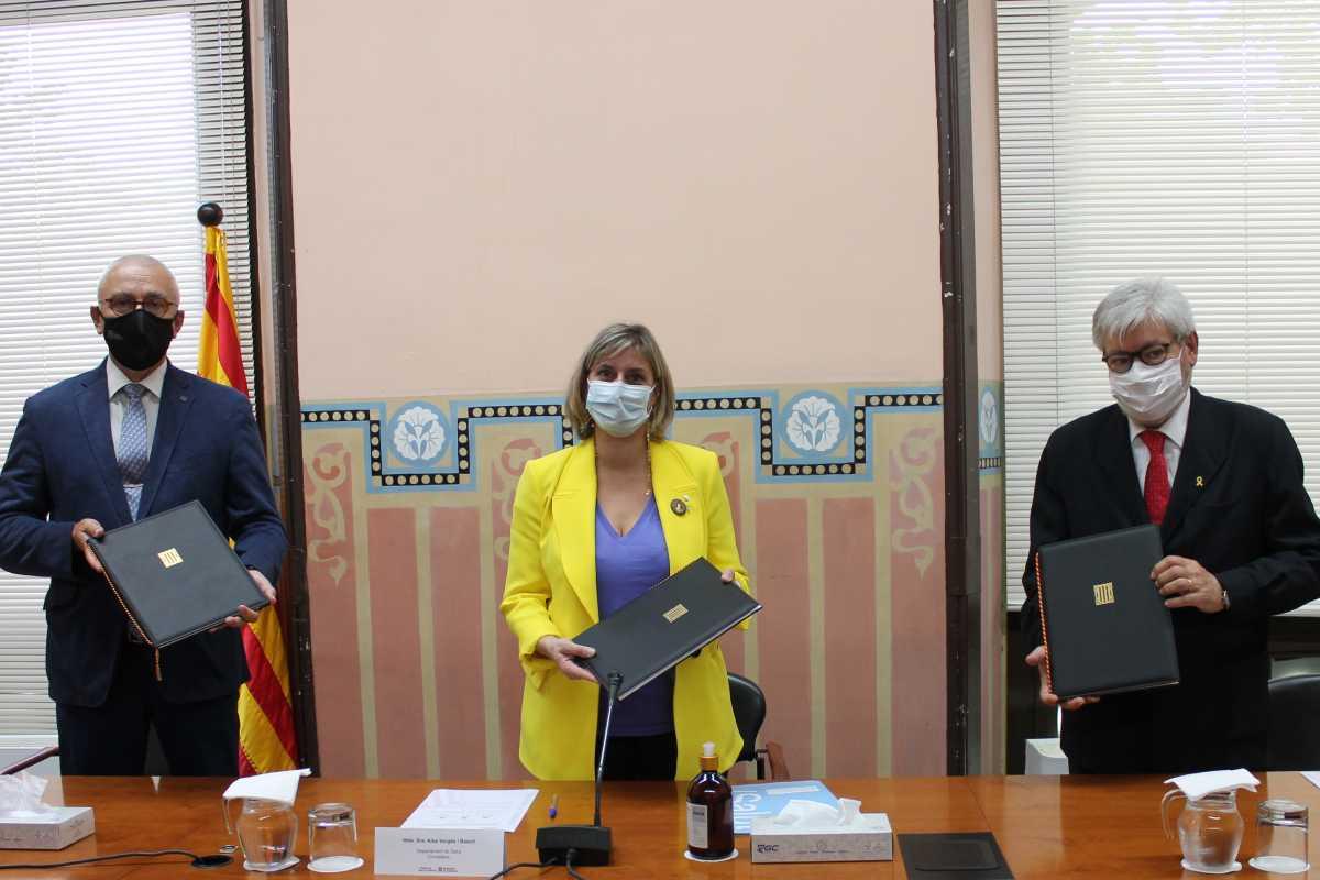 Firmantes del acuerdo para el nuevo grado de la UPF.