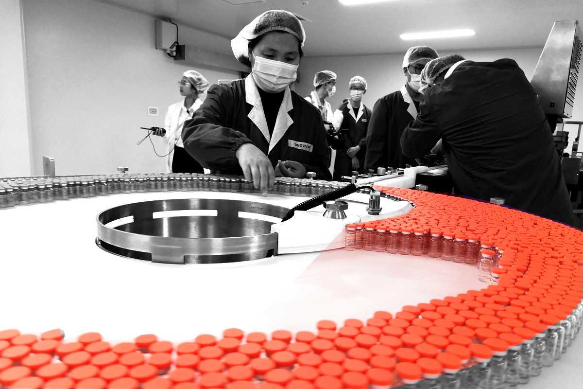 Imagen de la producción de la vacuna china contra la covid-19.
