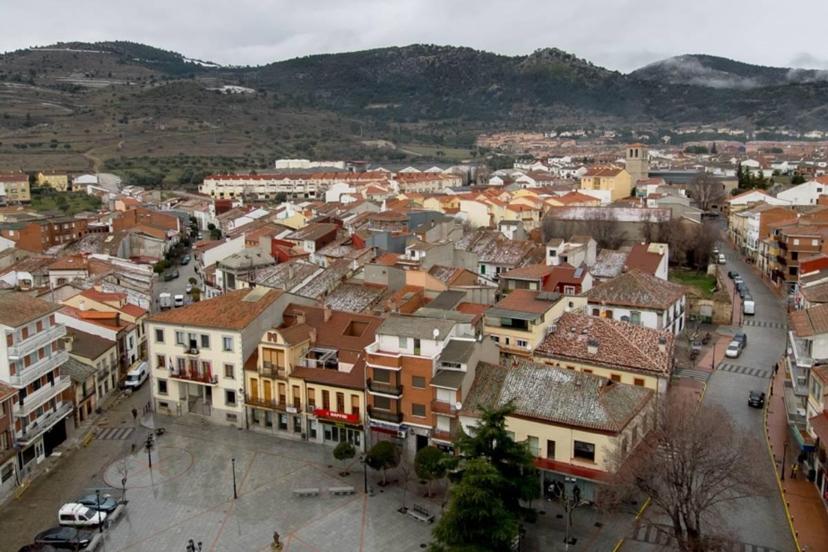El alcalde de Cebreros (Ávila) remunera a sus dos farmacias para hacer guardias.