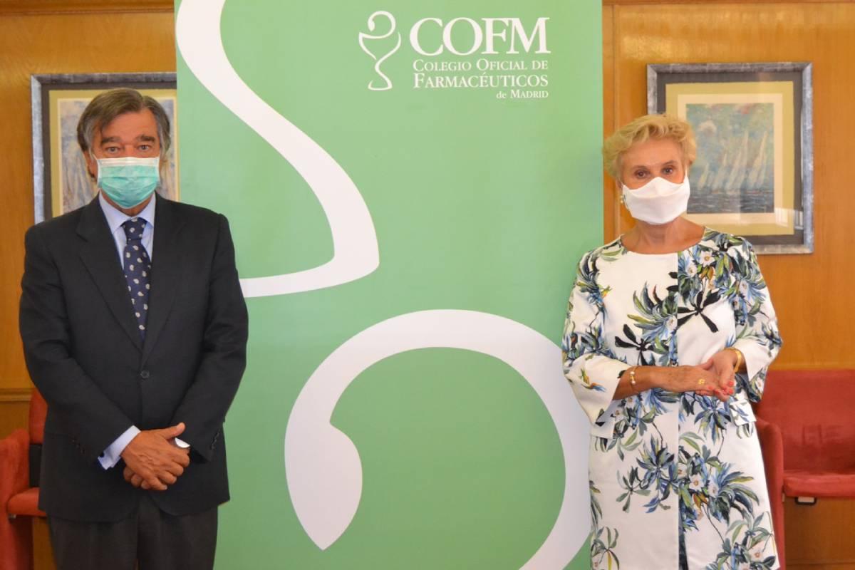 Luis González Díez, presidente del COF de Madrid, y Carmen Quintanilla, presidenta de la Asociación de Familias y Mujeres del Medio Rural (AFAMMER).