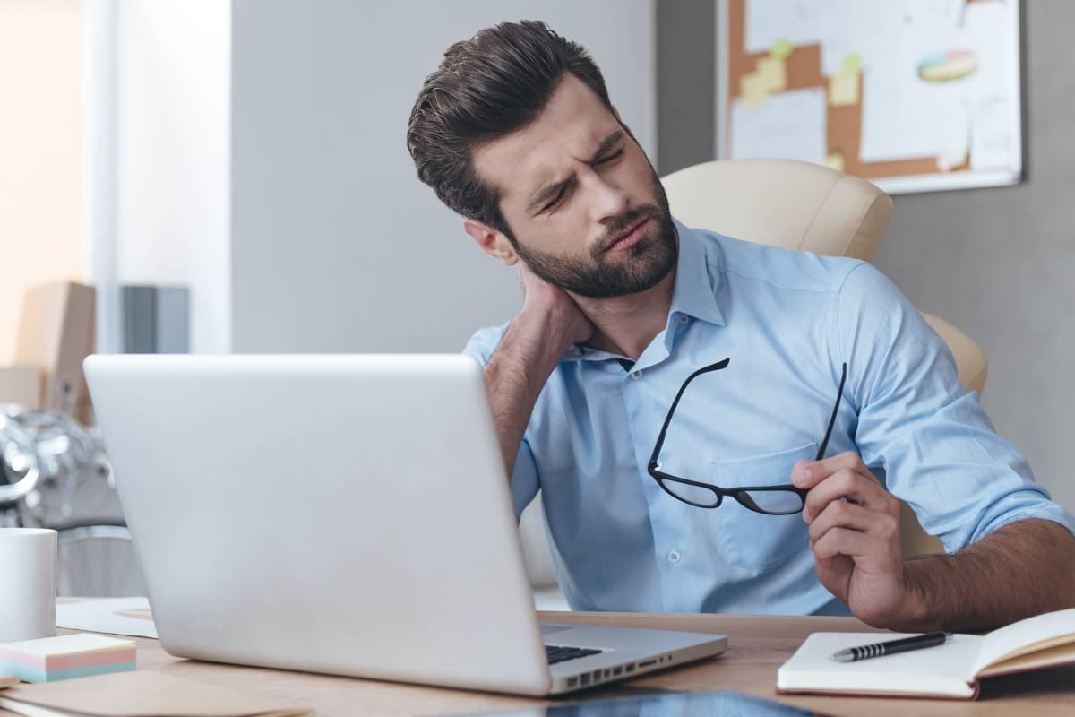 El dolor de cuello es uno de los más frecuentes entre los españoles.