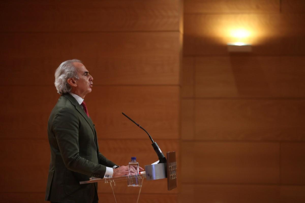 Enrique Ruiz Escudero, consejero de Sanidad de Madrid, insistiendo en que las medidas tomadas son las adecuadas (EFE/Juanjo Martín)