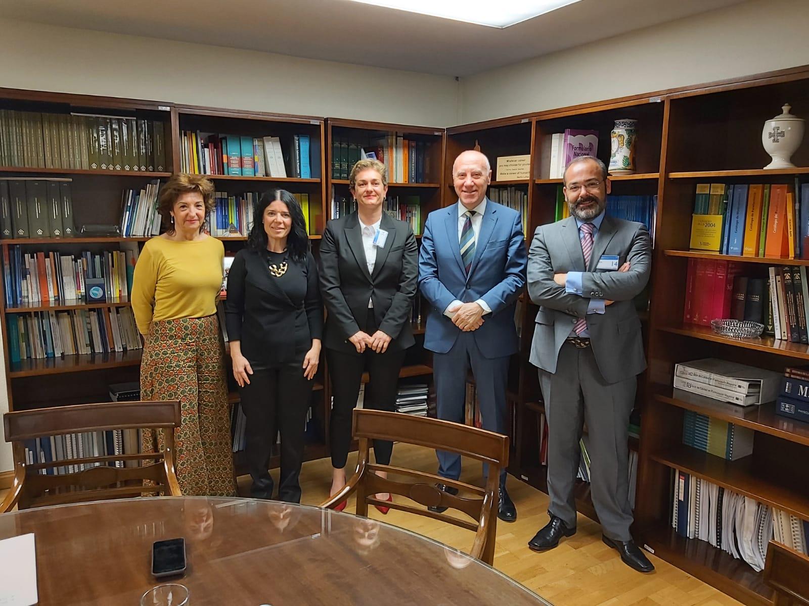Jaime Espolita, presidente de Sefar, junto a Faustino Blanco, ex secretario general de Sanidad, Patricia Lacruz, directora general de Sanidad, y dos vocales de Sefar.