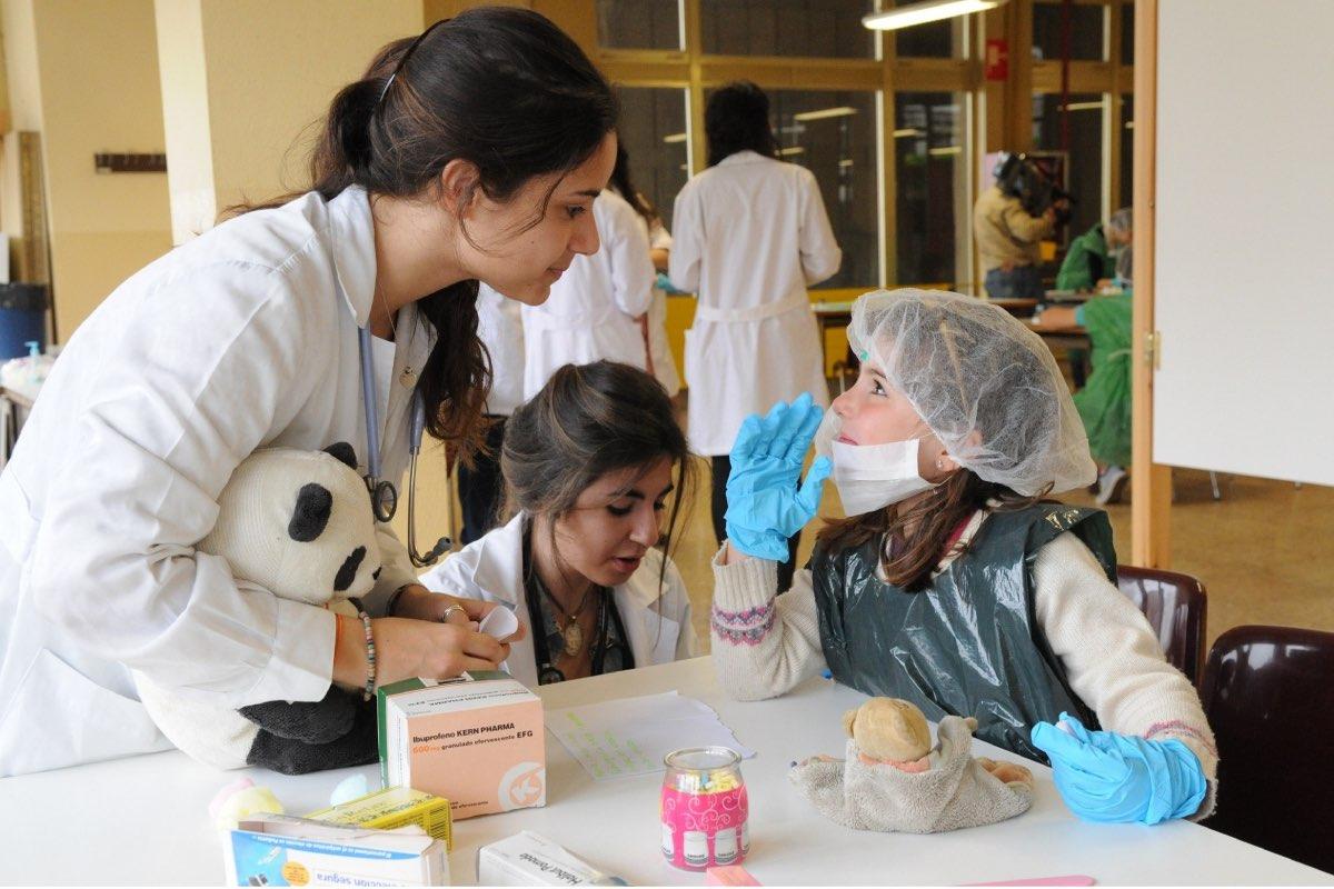 Los profesionales recalcan la importancia de mantener las prácticas clínicas de los estudiantes de Ciencias de la Salud