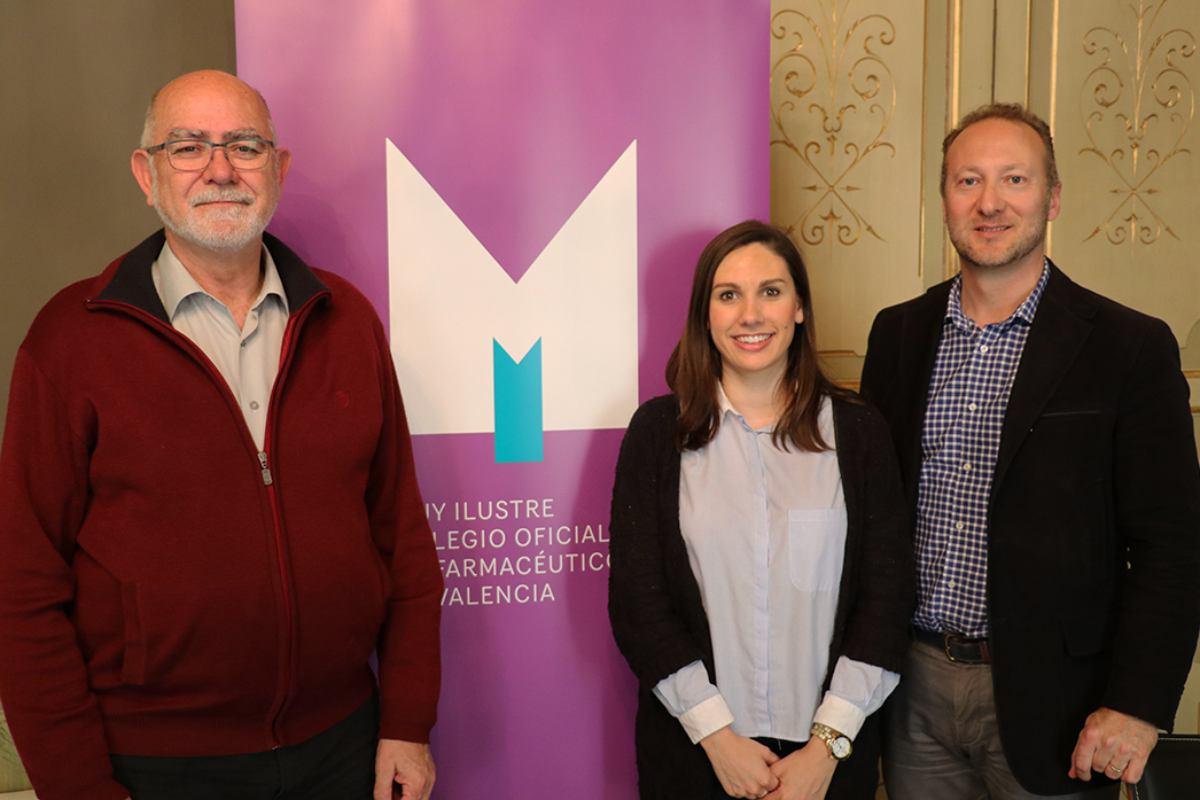 Jaime Giner, presidente del COF de Valencia; Paula Crespo, presidenta del Codinucova, y Vicente Brull, vocal de Alimentación del COF de Valencia.