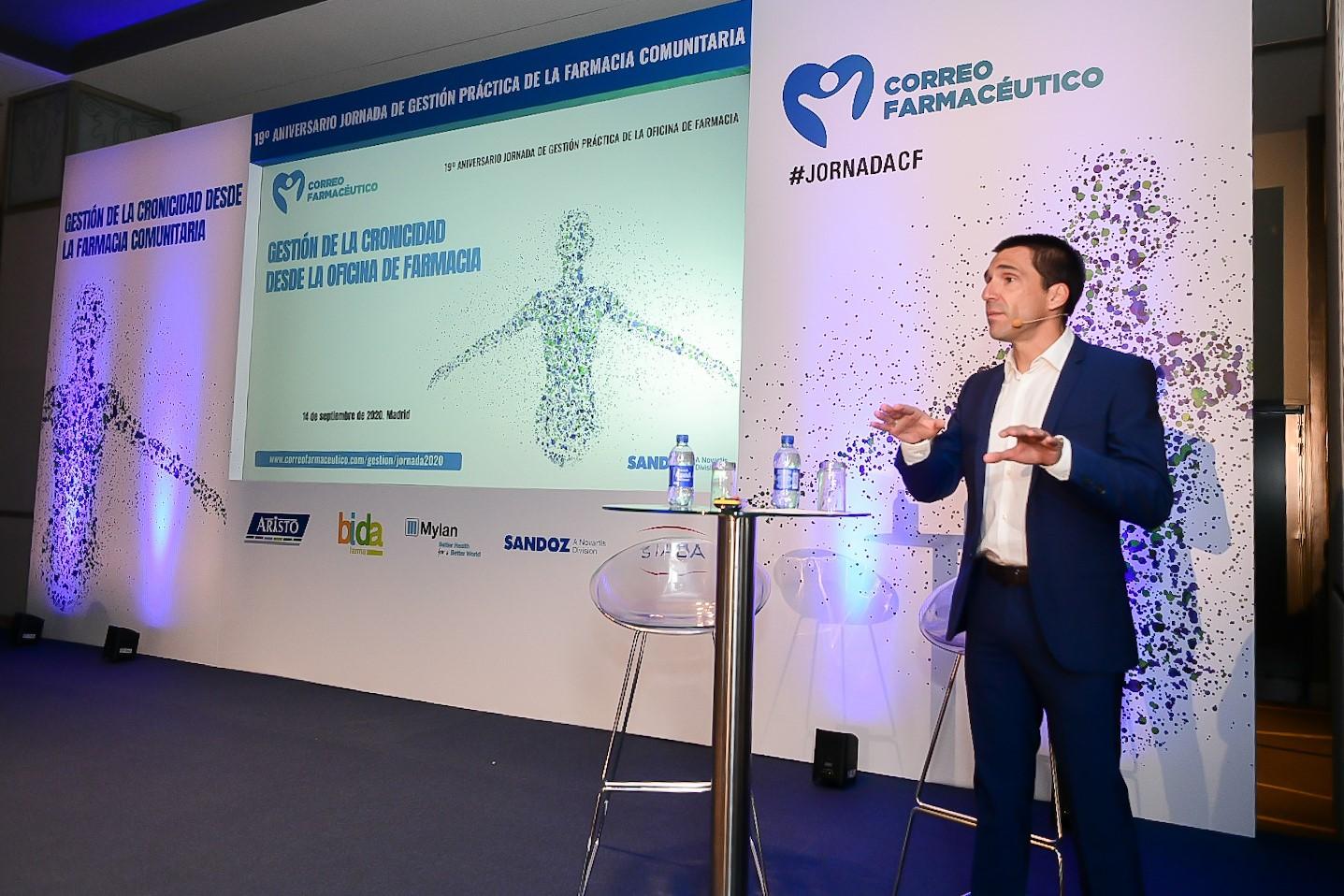 Miguel González Corral, director de CF, dando la bienvenida a los que han seguido 'in situ' y 'on line' la XIX Jornada de Gestión Práctica de la Oficina de Farmacia.