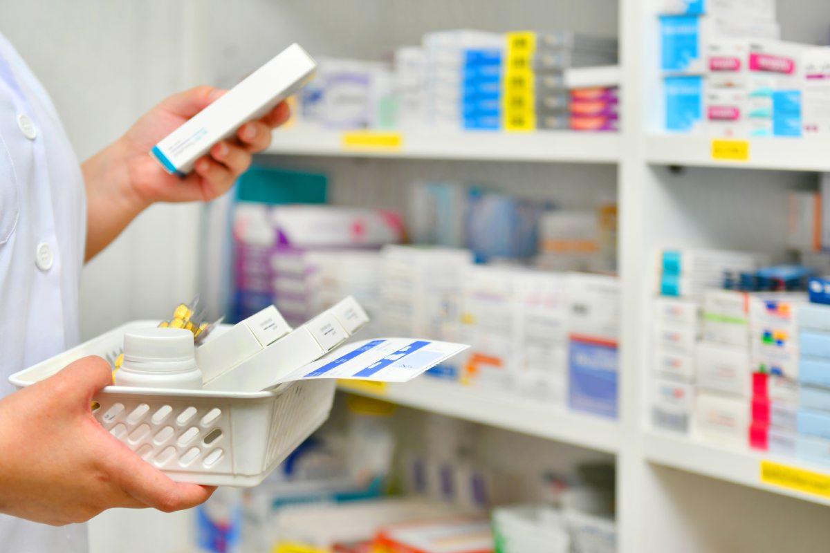 """""""Las causas de esta convulsión del mercado farmacéutico hay que buscarlas en los cambios de hábitos de vida impuestos por la pandemia """", señalan desde FEFE."""