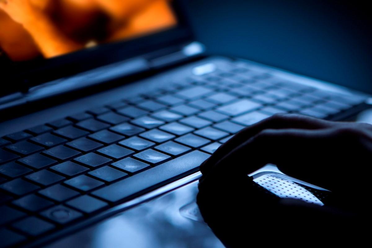 Ante una robo de datos sensibles hay que comunicarlo a la Agencia Española de Protección de Datos (AEPD).