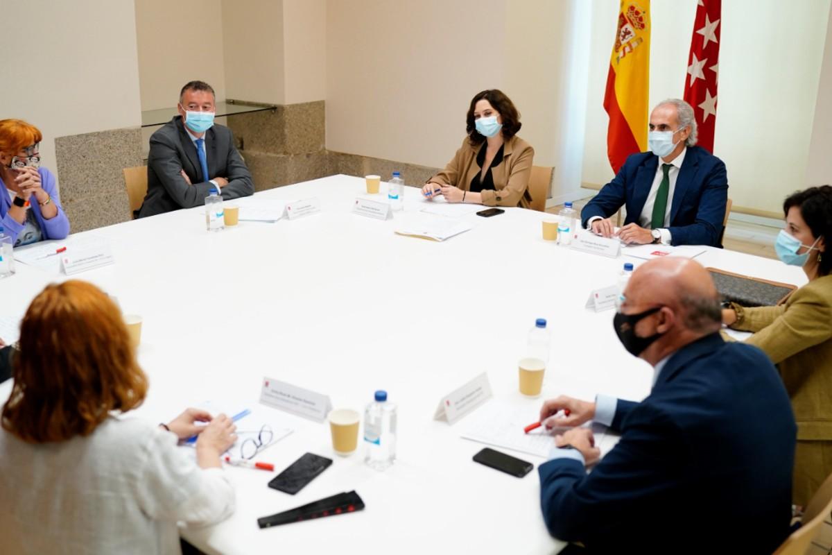 Reunión del Gobierno de Madrid con los sindicatos de Sanidad para presentar el Plan Integral de Atención Primaria