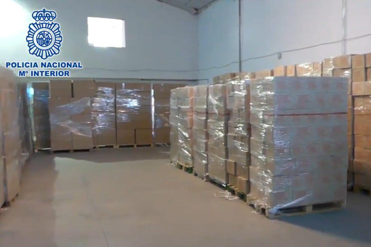 Los agentes de la Policía Nacional localizaron la mercancía sustraída en una nave de la localidad de Fuenlabrada.