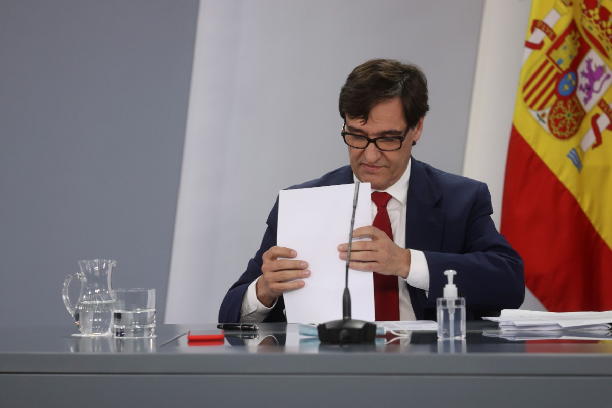 Salvador Illa, ministro de Sanidad, insistiendo una vez más en que Madrid tome medidas más contundentes frente a la pandemia (EFE/Juanjo Martín)