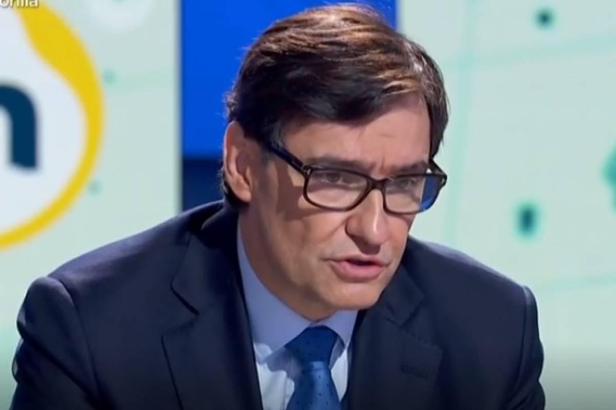 Salvador Illa, ministro de Sanidad, en la entrevista realizada en TVE-1 esta mañana.