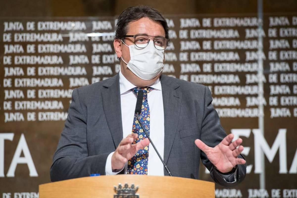 José María Vergeles, vicepresidente segundo y consejero de Sanidad y Servicios Sociales de Extremadura.