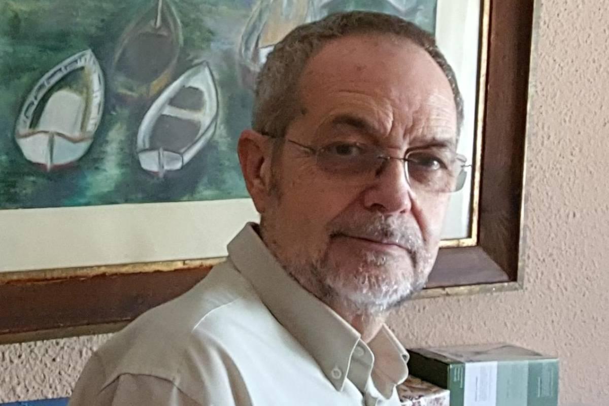 Tras más de tres décadas de actividad sindical nacional y autonómica, Andrés Cánovas cede el testigo en CESM-CV a sus sucesores.