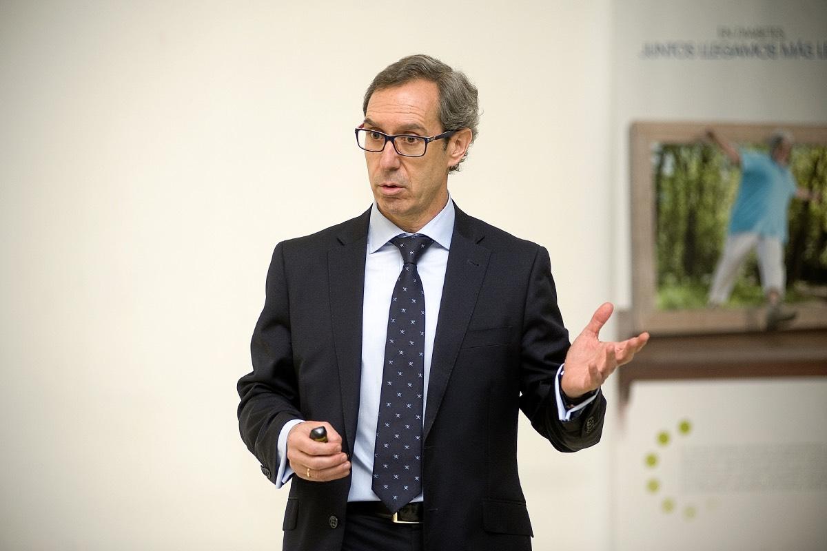 Javier Escalada, nuevo presidente de la SEEN.