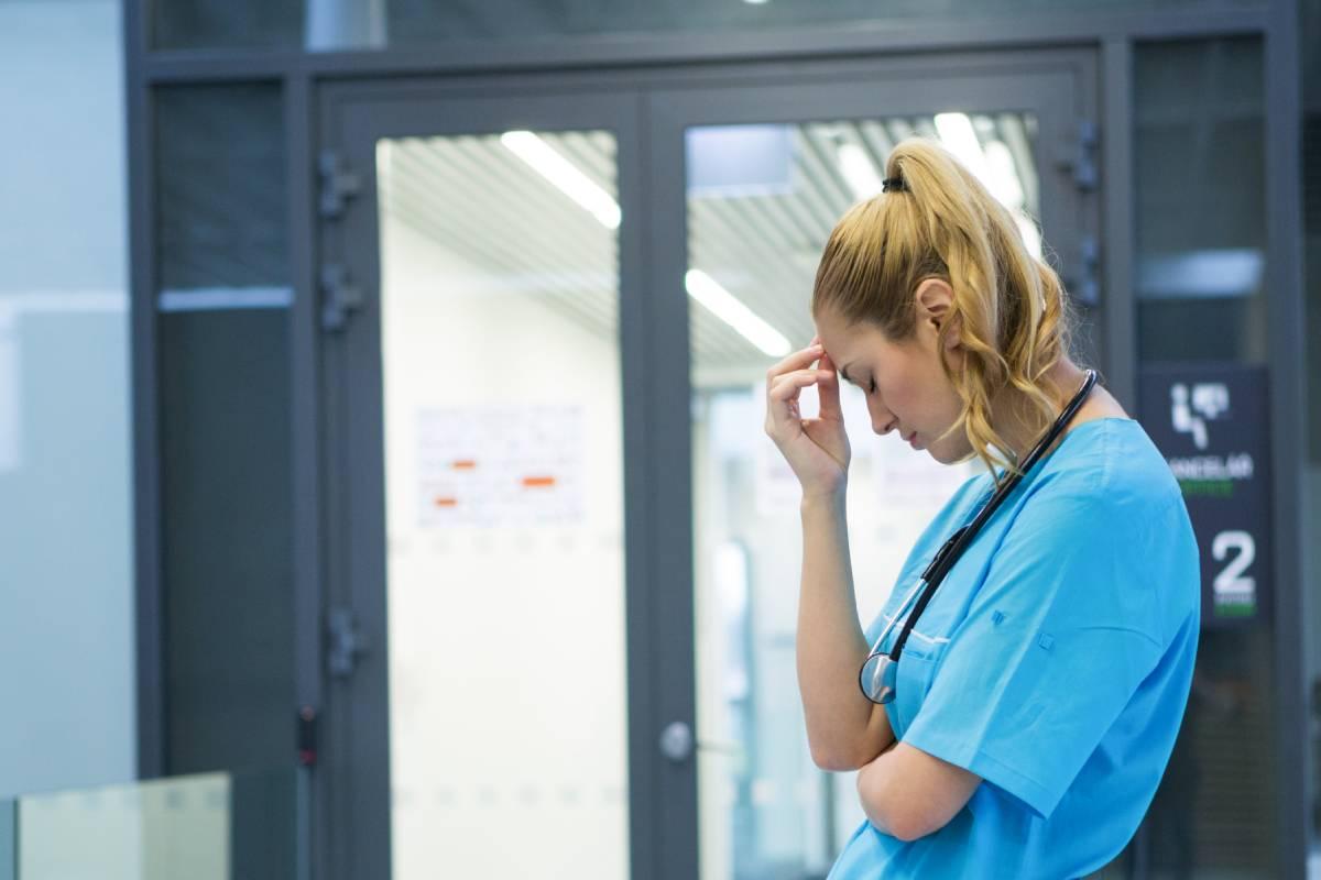 Una buena parte del salario médico lo componen las guardias