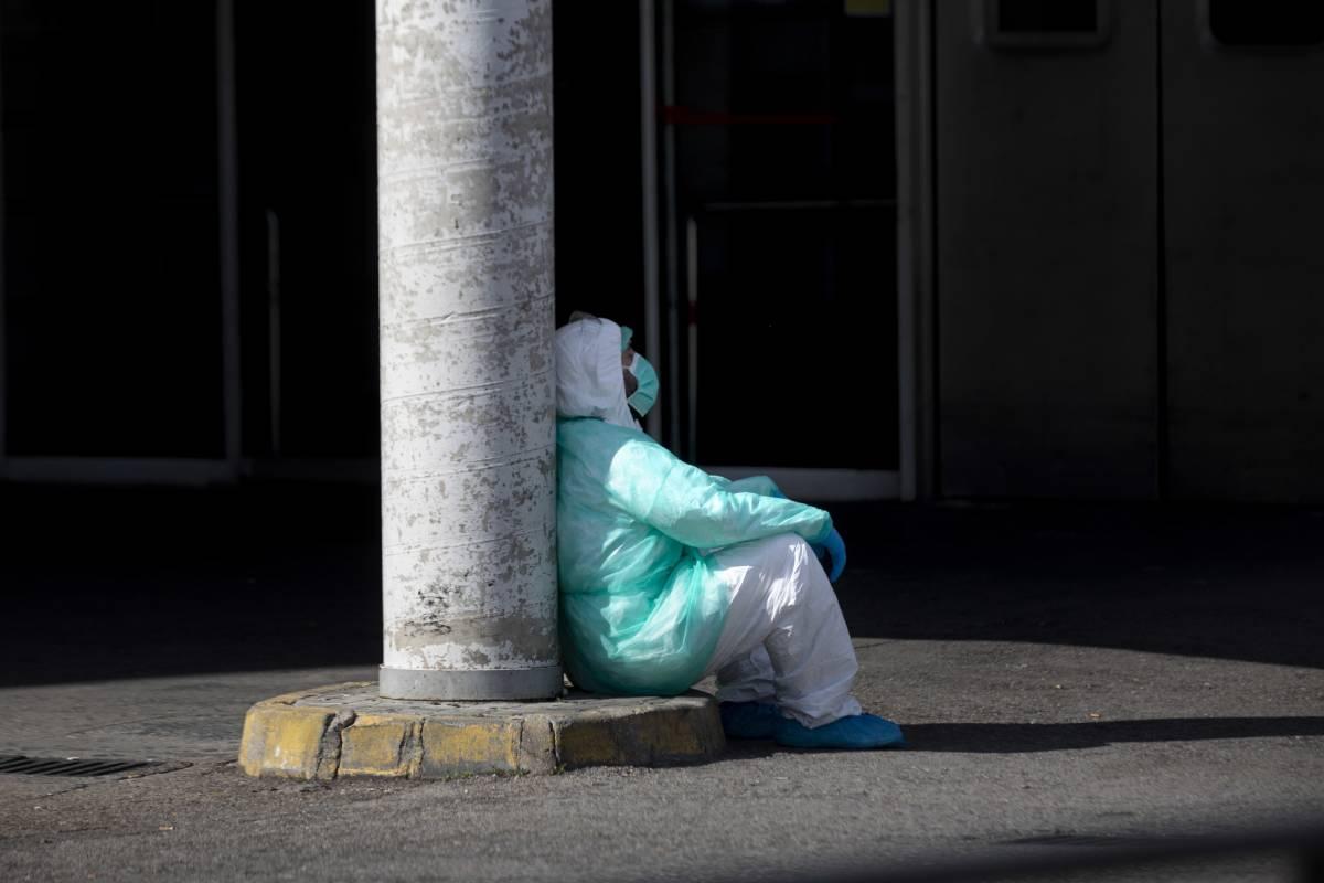 UGT recuerda que llevaba meses advirtiendo sobre la necesidad de dar descanso a los profesionales ante la segunda ola de la pandemia.