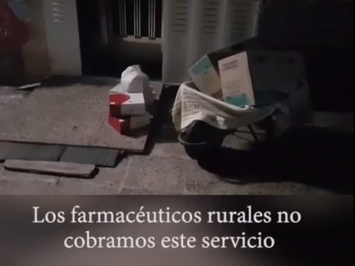 Medicamentos dejados por Raquel Casado en la puerta de un domicilio.