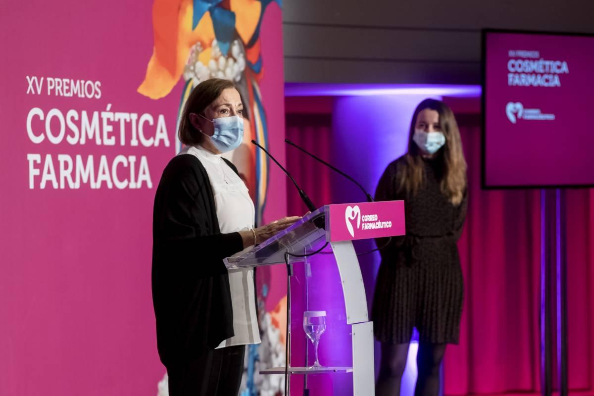 Pilar Cairó y Fátima Castaño, farmacéutica y psiconcóloga de la Fundación Stanpa.