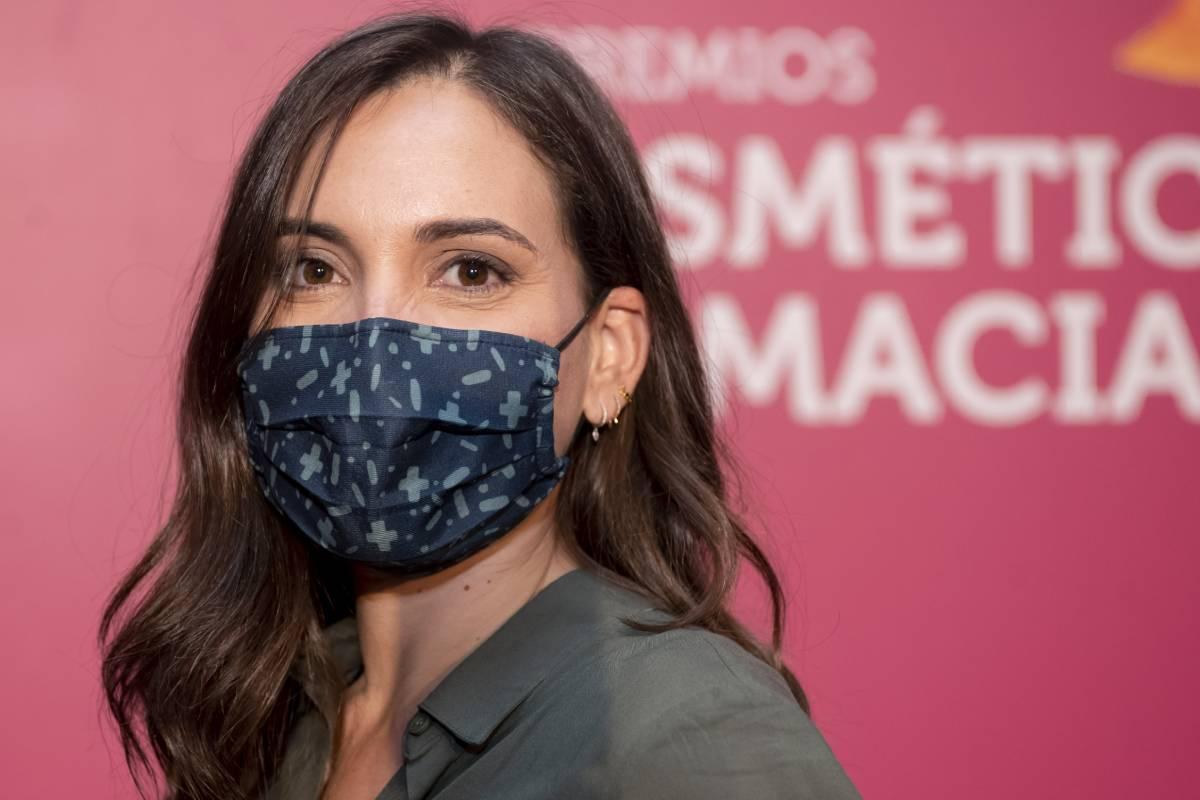 La farmacéutica Marián García acudió a los Premios Cosmética y Farmacia con la mascarilla 'Guardián de Noche'.