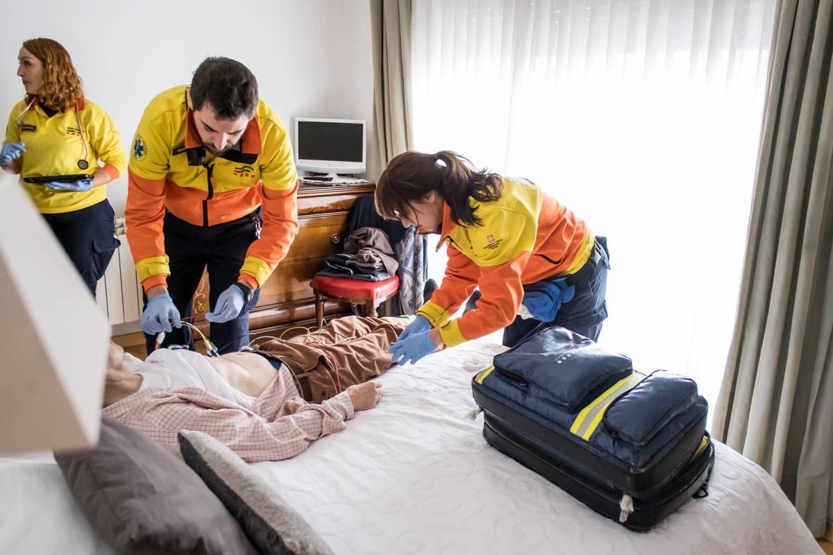 El CGE presenta un documento que define cómo llevar a la práctica las competencias enfermeras en el ámbito de los cuidados en situaciones de Urgencias y Emergencias. FOTO: Ariadna Creus y Ángel García (Banc Imatges Infermeres).