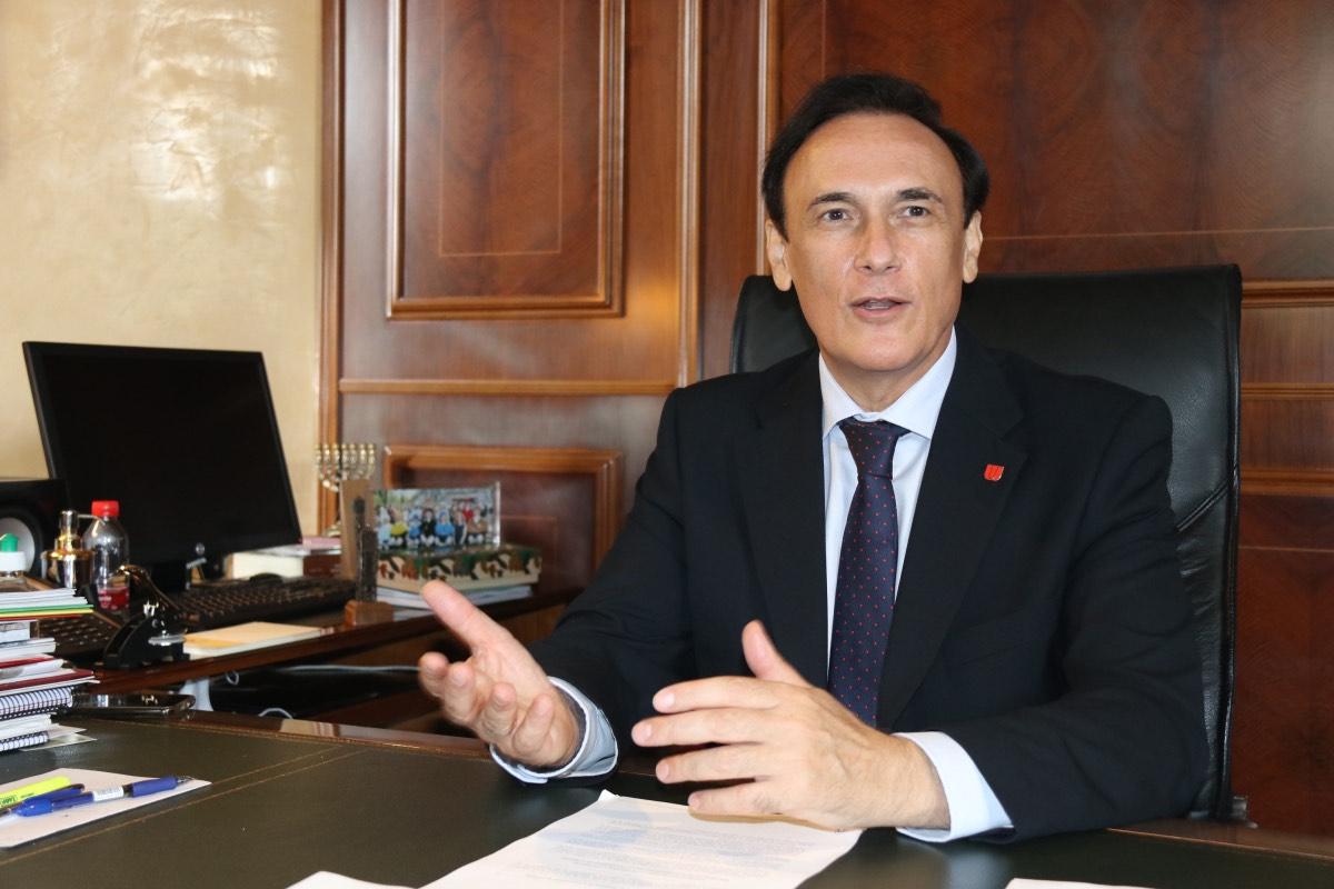 José Carlos Gómez Villamandos, presidente de los rectores españoles, en su despacho de la Universidad de Córdoba (FOTO: CRUE).