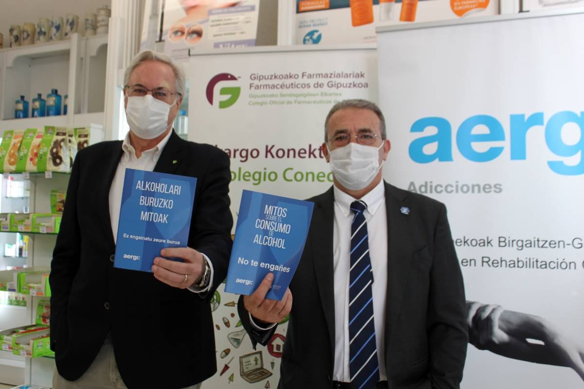 Miguel Ángel Gastelurrutia, presidente del COF de Guipúzcoa, y Josean Fernández, presidente de AERGI.