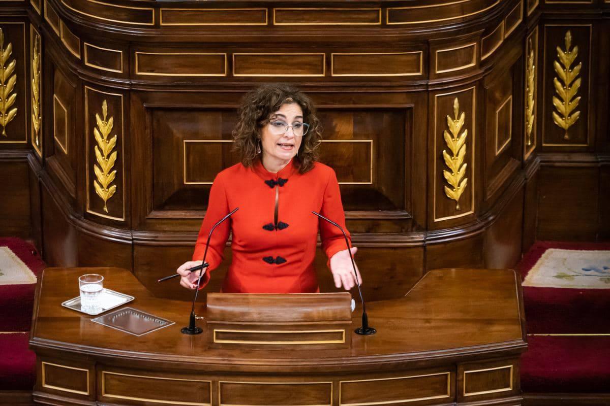 María Jesús Montero, ministra de Hacienda y portavoz del Gobierno, en el Congreso de los Diputados.