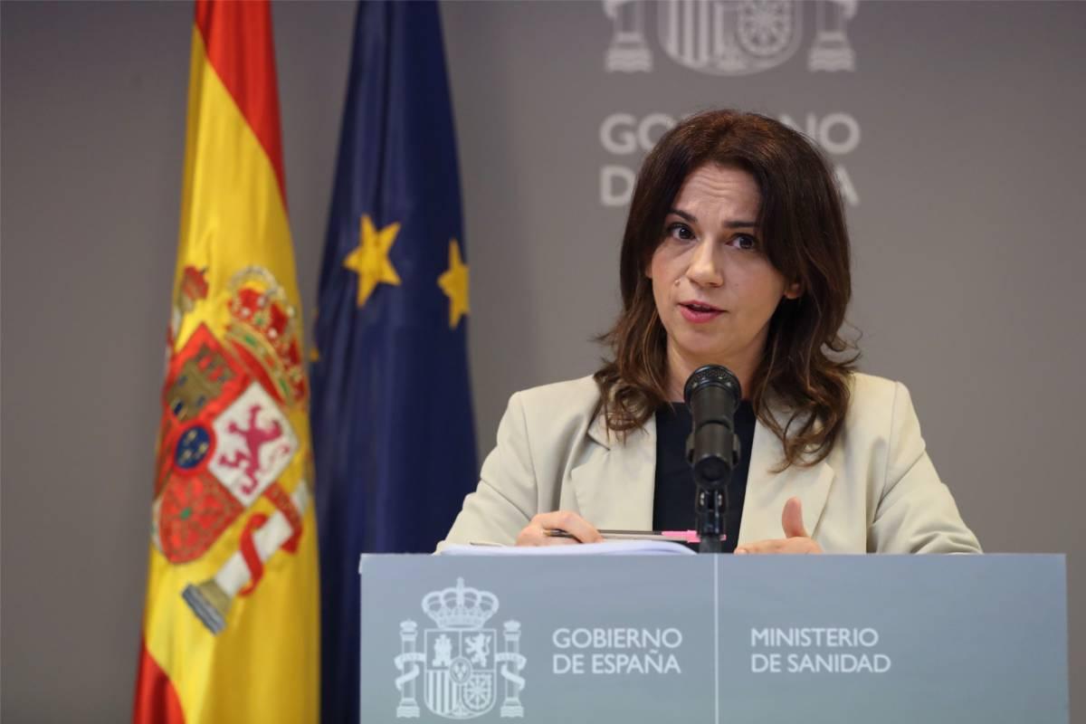 La Secretaria de Estado de Sanidad, Silvia Calzón, explicando los últimos datos de la pandemia de coronavirus (EFE/Kiko Huesca)