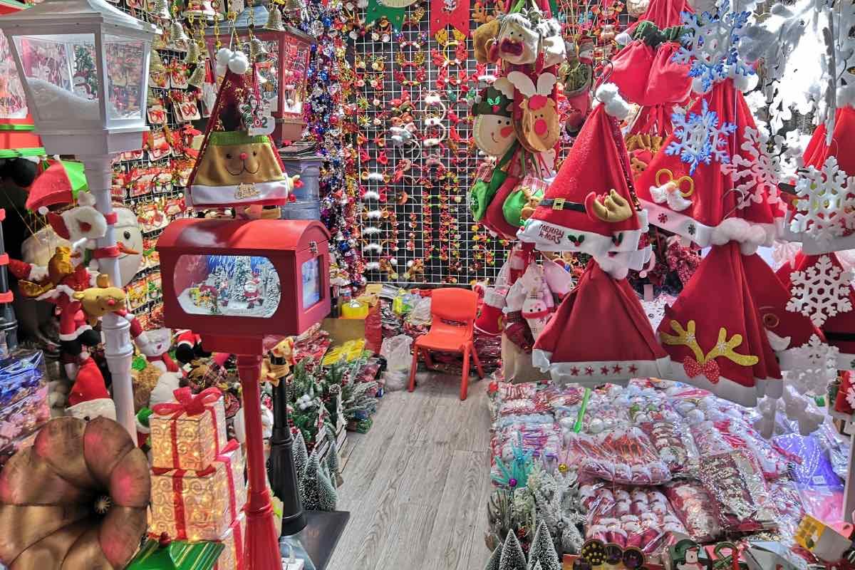 Aspecto general de un mercadillo navideño en una ciudad de China (FOTO: Lucas de la Cal).