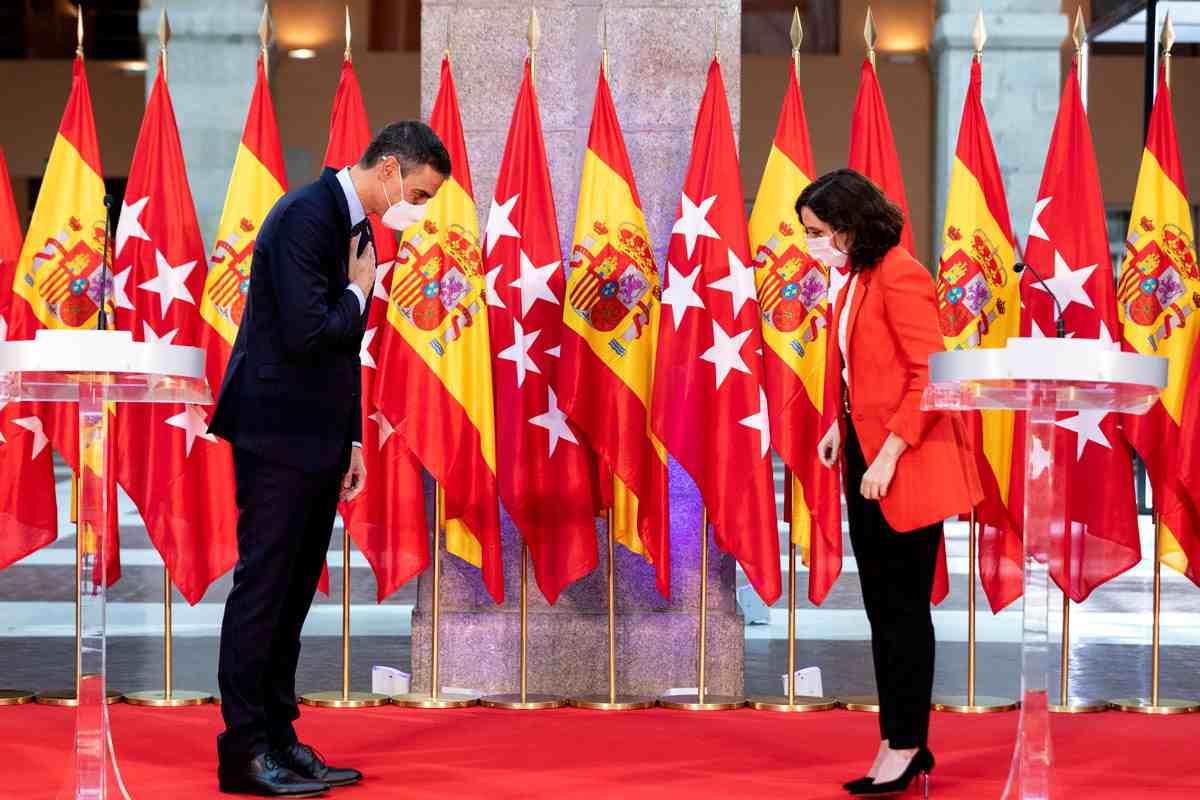 El presidente del Gobierno, Pedro Sánchez, y la presidenta de la Comunidad de Madrid, Isabel Ayuso.