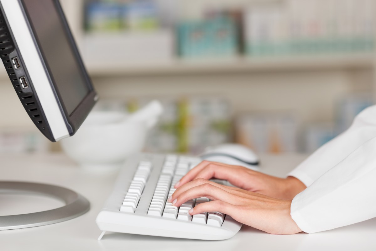 El Consejo General de COF ha pedido a los farmacéuticos que participen en la encuesta recogiendo las valoraciones de sus pacientes.