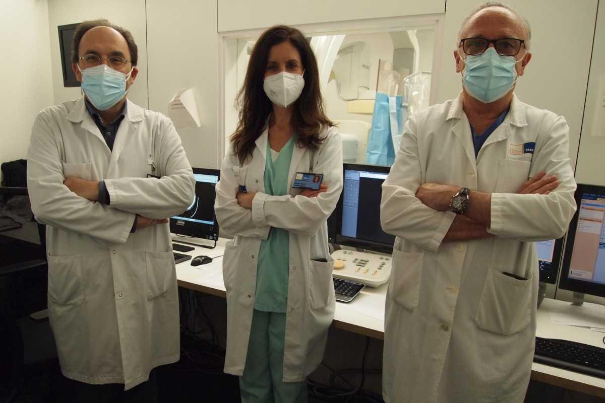 Jaume Roquer, Gloria Villalba y Leopoldo Guimaraens, del Hospital del Mar.
